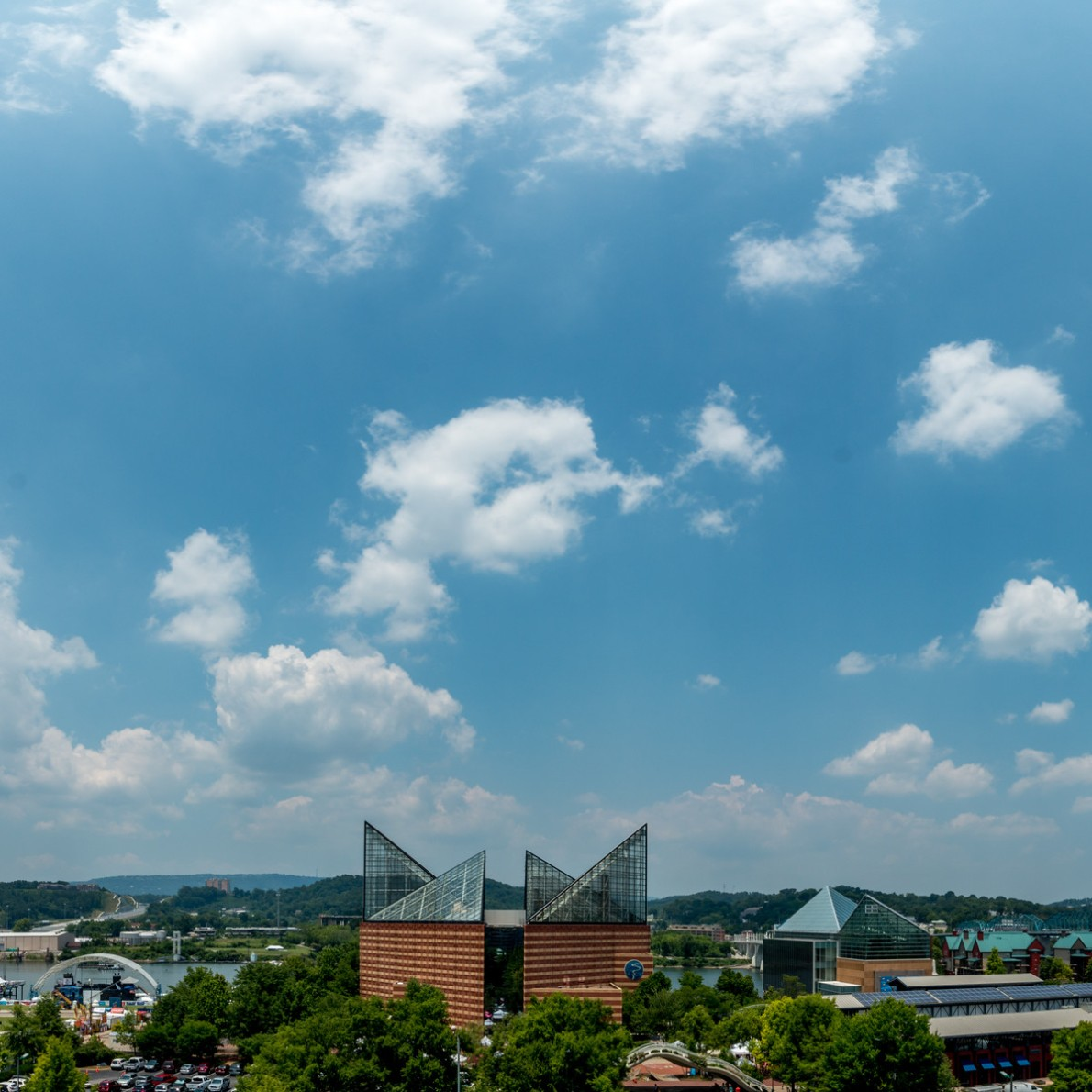 Photograph of Chattanooga aquarium and our venue by Andrew Rodgers